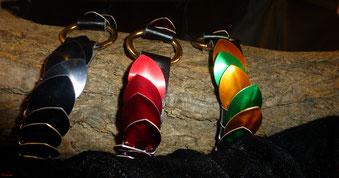 Drachen-O-Halsband aus Kunstleder
