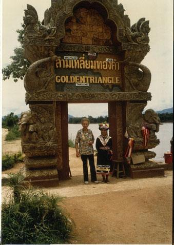 Charlotte Wille im Goldenen Dreieck von Thailand, Laos und Myanmar (Birma) am Mekong