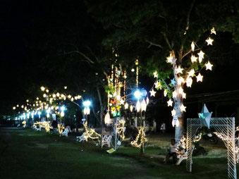 Der zentrale Platz in Panglao City wird an Weihnachten erstmals wunderschön beleuchtet.