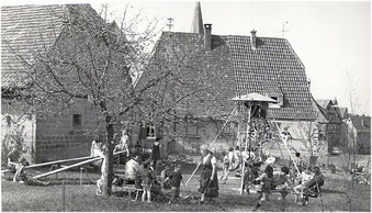 Spielplatz in Oberderdingen Ecke Gartenstraße / Bremich 1968