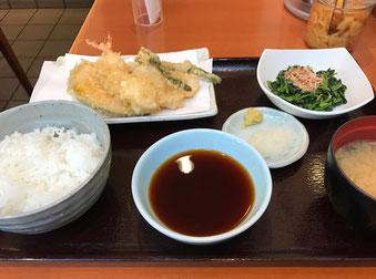 ☆天丼てんやで朝昼兼用の天ぷら定食。