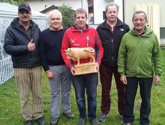 Siegermannschaft mit dem Salzburger Landespräsidenten