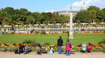 Chaises au jardin du Luxembourg au 21ème siècle