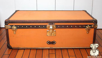 Orange vuittonite canvas, it is the most popular  canvas   Louis Vuitton 1912 cabin trunk