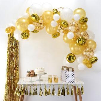 Viel Deko beim Buffet - Hochzeitstrends 2019