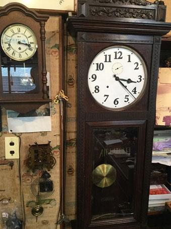 文字盤を書き直し 修理を完了した掛時計