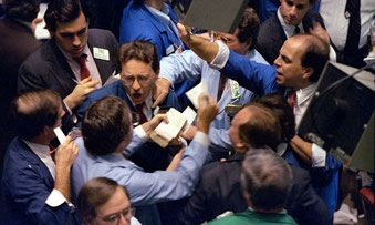 Hektik an der Wallstreet: Die Aktien fielen am 19.Oktober 1987 über 20 Prozent in die Tiefe. Nicht wenige befürchten, solche Bilder könnten sich bald wiederholen.