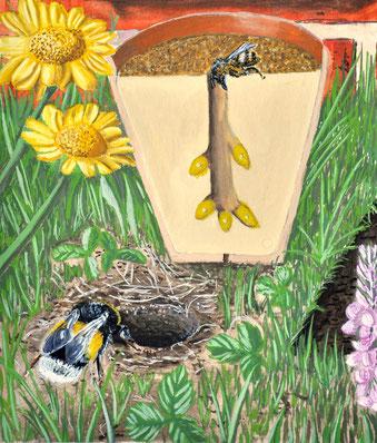 Auf einem Balkon kann man als Nistplatz einen Blumentopf mit Erde oder Sand füllen. Hummeln hingegen bevorzugen leerstehende Mäusebauten.