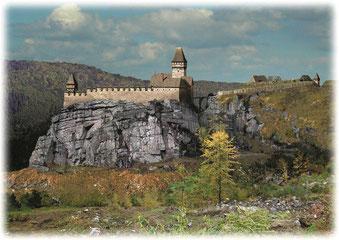 Rekonstruktion der Burg Sokolčí