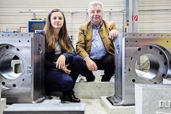 Freundliche Übernahme: Carmen Schnupp löst schrittweise ihren Vater Konrad Schnupp als Chefin der Schnupp GmbH & Co. Hydraulik KG ab