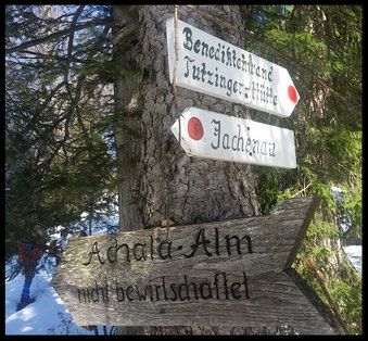 Wer dieses Hinweisschild erreicht, hat nur noch etwas mehr als einhundert Höhenmeter bis zum Gipfel.