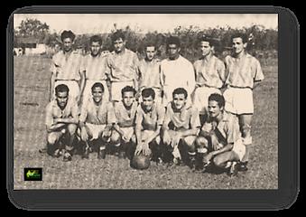 Deportivo Cicolac. De pies, primera fila, de izquierda a derecha, numero 6 Ariel Quintero. Segunda fila, mismo orden, numero 4 Ovidio Gómez.