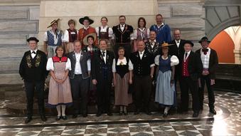 Gesamtbild der nationalen Parlamentarier mit Tracht