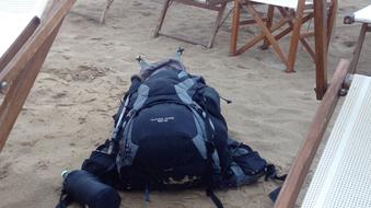 Rucksack durchwühlt geklaut Rimini Adria Italien Touristen-Ort