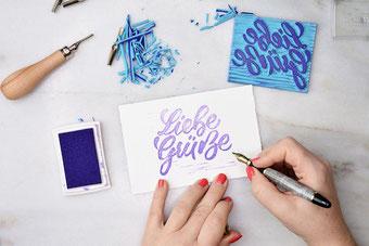 Liebe Grüsse - dein eigenes Lettering als Stempel selbermachen (Linolschnitt)