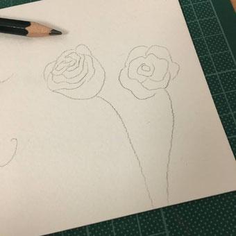 DIY Anleitung für eine Flaschenbanderole mit Handlettering und Aquarell - Rosen vorzeichnen