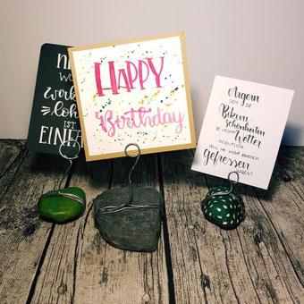 DIY Letteringhalter aus Steinen und Draht selber machen - eine perfekte Präsentation für deine Letterings oder Karten