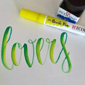 Anleitung: Wie du mit einem Brushpen und flüssiger Wasserfarbe ganz einfach einen Farbmischeffekt in deinem Lettering gestalten kannst