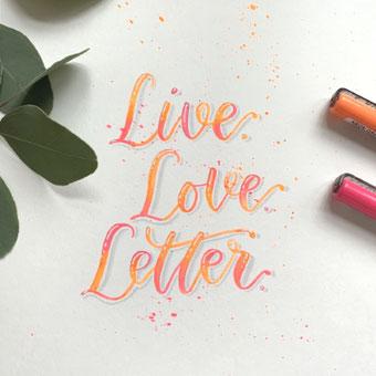 Lettering mit Neon Stiften - ein unübersehbares Lettering gestalten