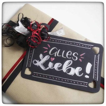 Geschenkanhänger gestalten mit Handlettering - eine Anleitung für deine eigenen Lettering Projekte