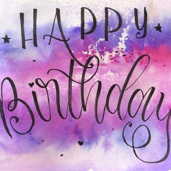 einfache und individuelle Geburtstagskarte mit Handlettering selbermachen