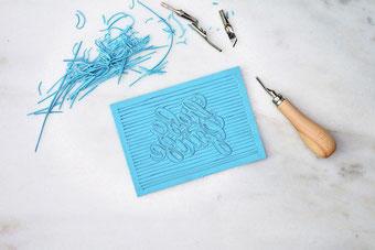 einfache Anleitung: So kreierst du aus deinem eigenen Lettering einen Stempel mit Linolschnitt