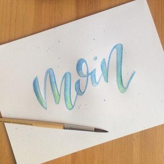 Lettering Anleitung: Faux Calligraphy mit aquarellierbaren Buntstiften
