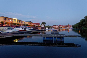 Abend am Yachthafen Havelberg