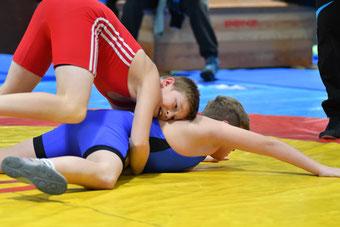 Noah Walder (Rot) belohnte seine Leistung mit der Bronzemedaille