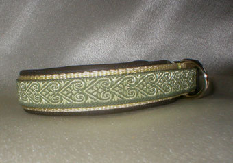 Halsband, Hund, Klickverschluss, 2,5cm breit, Gurtband beige, olivgoldene Borte