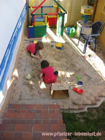 Garten dunkle Ecke kreativ umgestalten, Sandkasten, Strand + Meer