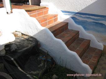 Treppe Fliesen hässlich verschönern griechischer Look