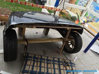 Auto Front Motorhaube Schnauze abschneiden als Gartendeko Volvo