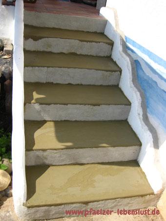Treppe Fliesen Überzug Beton Armierungskleber verschönern
