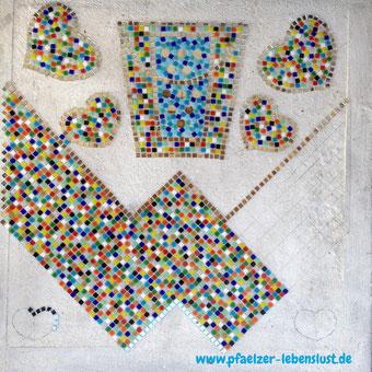 Mosaik Steine kleben Glasmosaik Spiegel Rand