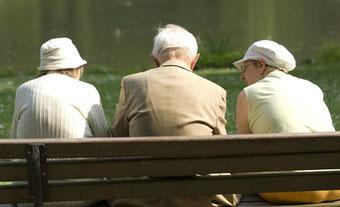 Mini-Implantate in jedem Alter... für ein schönes Lebensgefühl