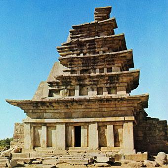復元前の弥勒寺西塔