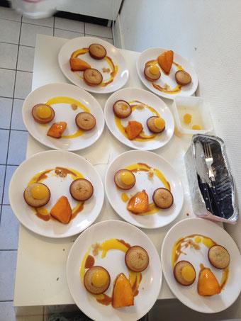 Financiers de mangue sauce caramel et mangue