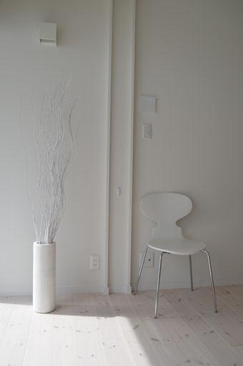 白の空間 タイマッサージスタジオKOHTAO