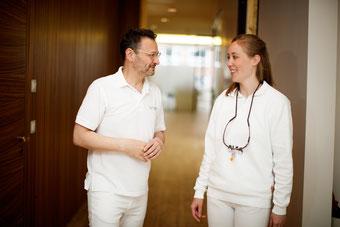 Bild: Praxis Dr. Jakob, bester Zahnarzt, Hamburg, Zahnarztempfehlung, Zahnschmerzen, Wurzelbehandlung