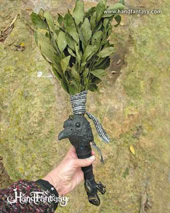 Herramienta Chamánica personalizado con Cuervo, piedras OJO DE HALCÓN en la frente del cuervo y el mango, herramienta chamánica