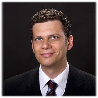Rechtsanwalt Thomas Hollweck aus Berlin.  Der Anwalt aus Berlin hat sich auf das Verbraucherrecht und den Verbraucherschutz spezialisiert. In der Kanzlei Hollweck finden Verbraucher kompetente Hilfe in allen Fragen rund um den Verbraucherschutz.