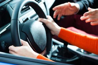 Angst vor Fahrprüfung mit Hypnose beheben
