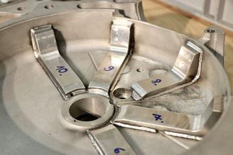 MAG Motorgehäuse Verstärkungsrippen