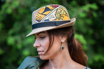 "VanDerElv Limited Edition Berlin Upcycling Trilby Hut ""Marie Antoinette"" mit Comic-Serie"