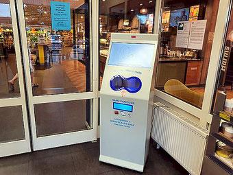 PUSULA Handdesinfektionsgerät im EDEKA Markt , Vertrieb Chris van der Elv