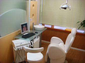 梅原歯科診療個室