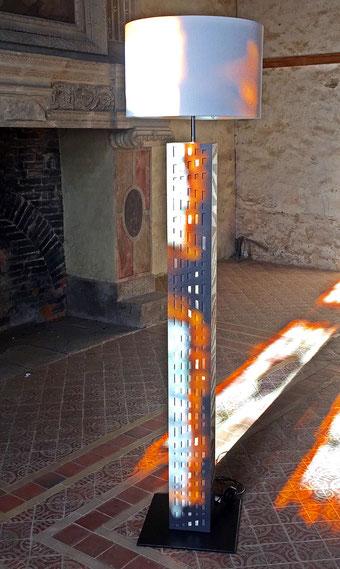 """Colonne """"Archimérobis"""" - Béton et aluminium - Hauteur 1,80 m"""