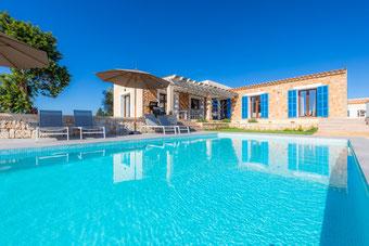 Finca Bibi mit Pool und Panoramablick
