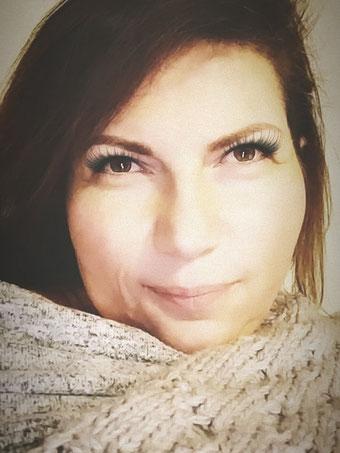 Ina Brasch – Systemische Lösungen, Psychologische und med. geprüfte ganzheitliche Ernährungsberaterin, Systemisches Familienstellen und Organisationsaufstellungen, Systemische Ernährungsberatung, systemische Mediation und Krisenintervention